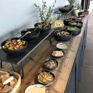 Sinnesfreunde Catering München Ausstattung Gläser Geschirr Buffet Speisen Craft Dekoration
