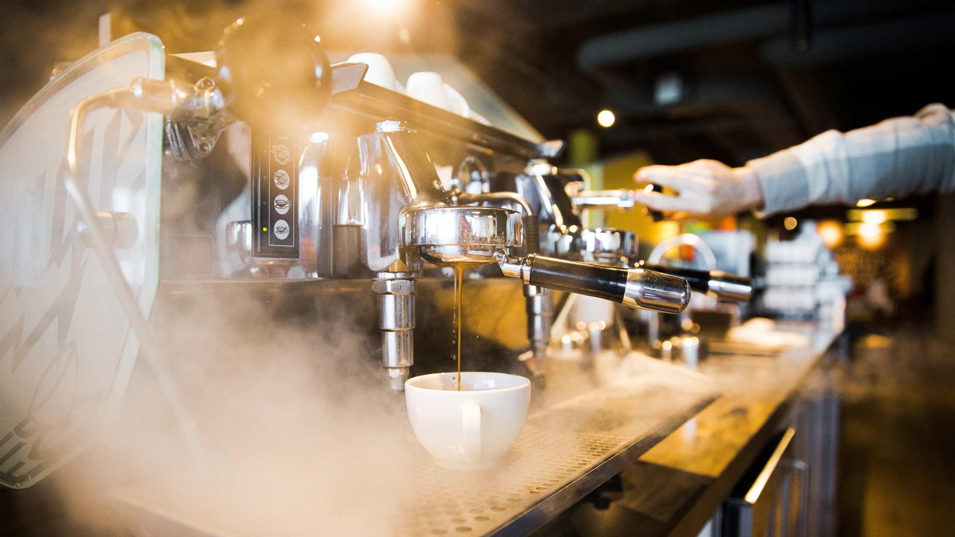Sinnesfreunde-full-service-kaffeebaar-maschine