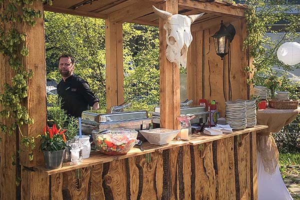Sinnesfreunde Catering München Markstand Mobiliar Fullservice
