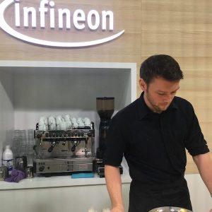 Sinnesfreunde Catering München Messe International Barcelona MWC Kaffee Siebträgermaschine Barista Personal