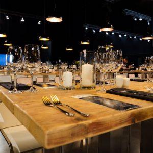 Sinnesfreunde Catering München Business Event Geschirr Gläser Mobiliar
