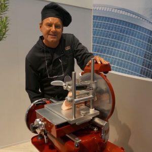 Sinnesfreunde Catering München Messe Expo Real Live cooking Schinken Geräte Aufschnittmaschine
