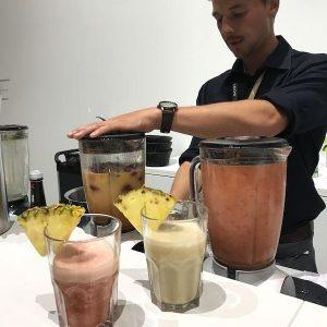 Sinnesfreunde Catering München Messe Berlin IFA Bar Barkeeper Smoothie healthy Getränke Personal