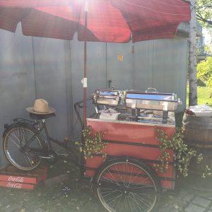 Sinnesfreunde Catering München Privat Party Garten Fahrrad Dekoration Buffet