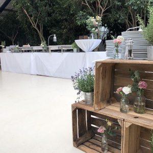 Sinnesfreunde Catering München Privat Hochzeit Geschirr Mobiliar Stuhl Tisch Dekoration Buffet Location Botanikum Fullservice