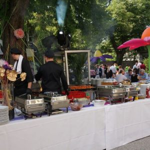 Sinnesfreunde Catering München Privat Jubiläum Buffet Dekoration Köche