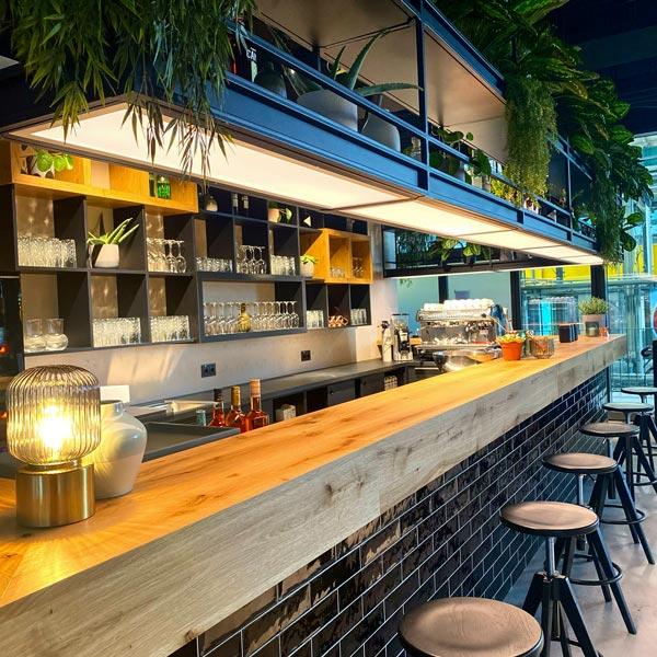 HIGH LINE Event-Location Bar-Ansicht MotorWelt München Sinnesfreunde Catering